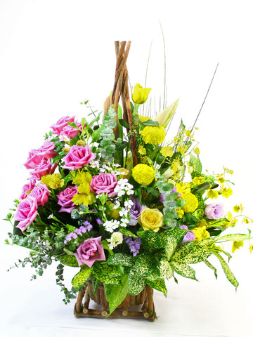 Florist Flower Arrangement - Desktop Basket 3 - L10109 Photo