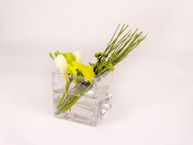 Florist Flower Arrangement - Monthly (J) - P8015 Photo