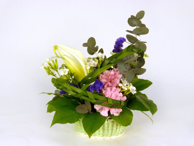 Florist Flower Arrangement - Monthly (Q) - P8810 Photo