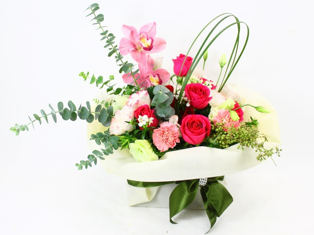 Florist Flower Arrangement - Well Wishes - L10823 Photo