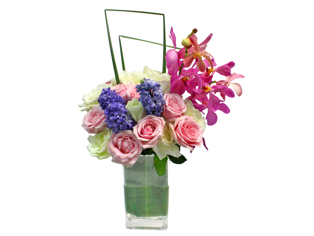 Florist Flower in Vase - Hyacinthus Florist Vase DecorR1 - L0198490 Photo