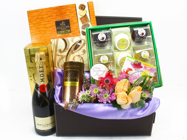 Florist Gift Set - Secretary's Day Gift 5 - L33114 Photo