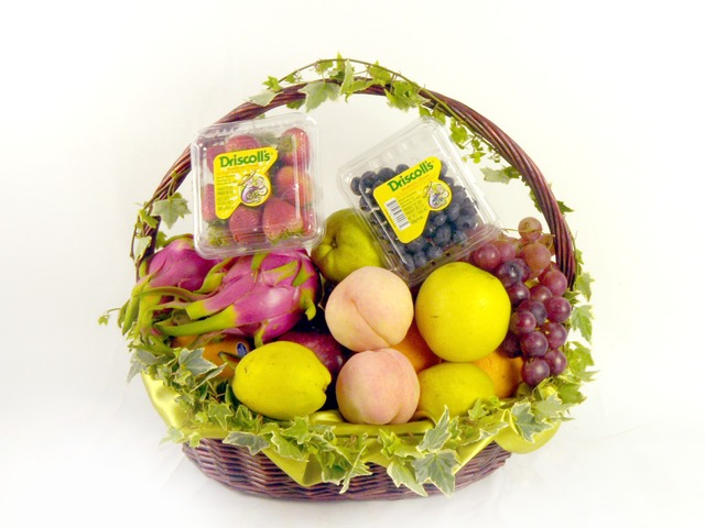 Fruit Basket - Mid-Autumn Fresh Fruits - P18319 Photo