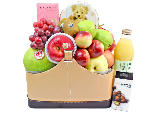 Fruit Basket - Wine Food Gift Hamper C21 - L3105898 Photo