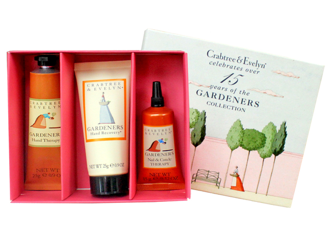 Gift Accessories - Crabtree & Evelyn Gardeners Hand Care Set - L3105831 Photo