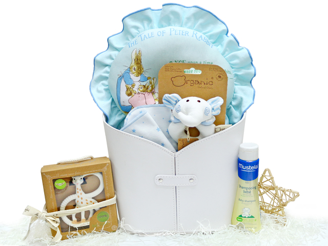 New Born Baby Gift - Baby Gift Basket z19 - L36669014 Photo
