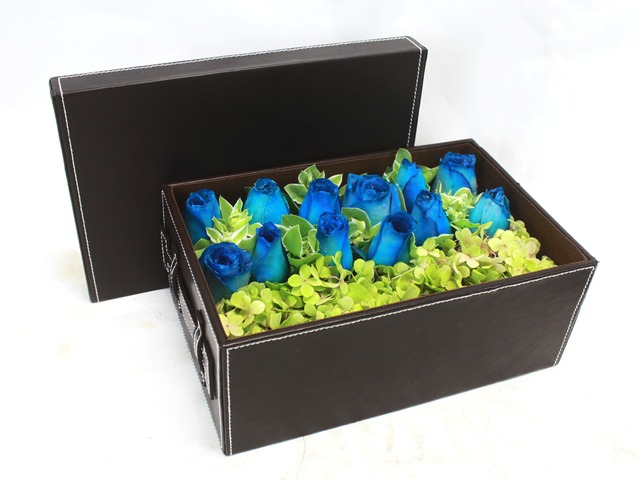 Order Flowers in Box - Blue diamond - L24110 Photo