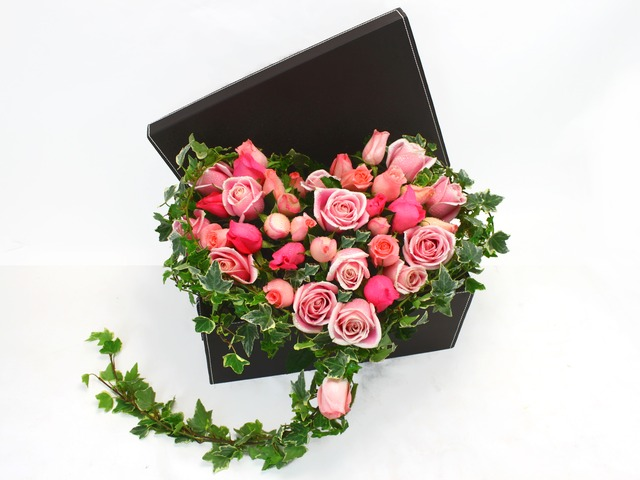 Order Flowers in Box - Heart of Love - P6767 Photo