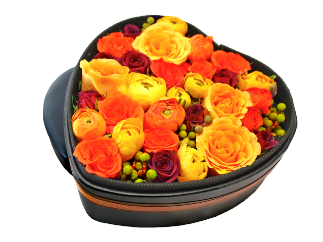 Order Flowers in Box - Min Kenya Rose Flower Box 2 - L156319 Photo