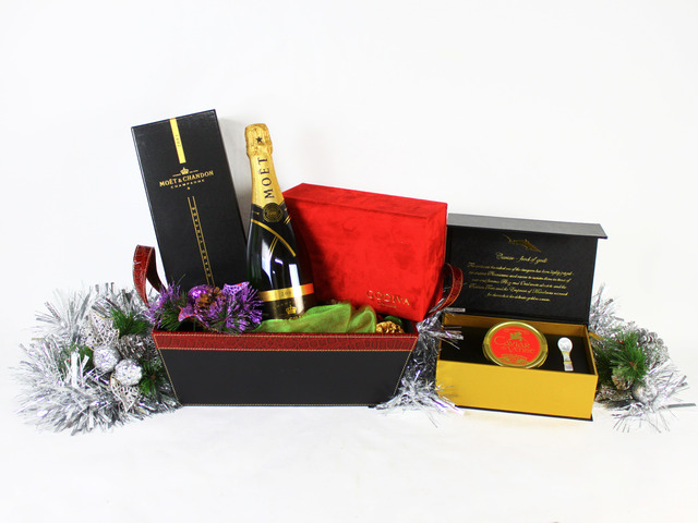 Wine n Food Hamper - Christmas Gift Hamper V - L19347 Photo