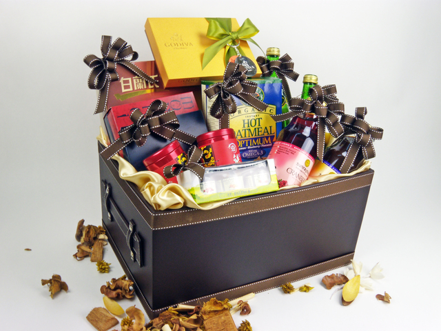 Wine n Food Hamper - Delectable Selection (B) - P1851 Photo