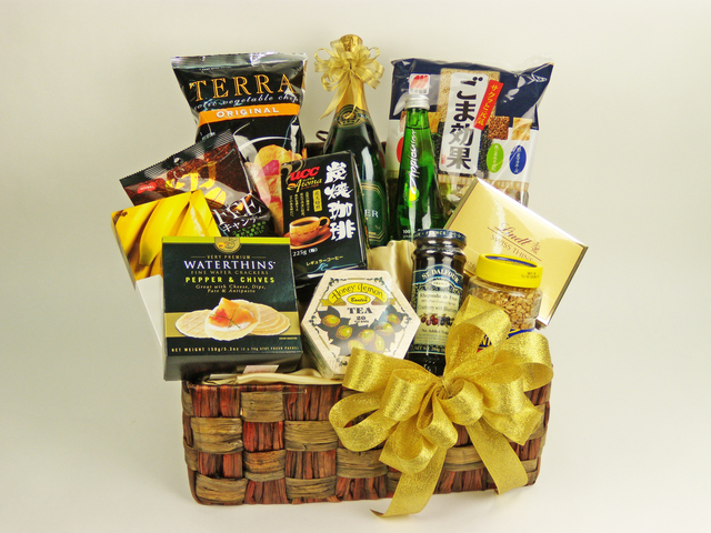 Wine n Food Hamper - Delectable Selection (D) - P1935 Photo