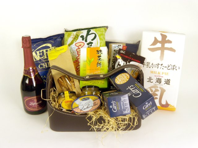 Wine n Food Hamper - Delectable Selection (P) - P16054 Photo