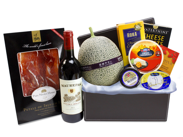 Wine n Food Hamper - Deluxe Food Hamper (1) - L87984 Photo