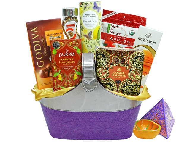 Wine n Food Hamper - Diwali gift hamper 4 - L36669464 Photo
