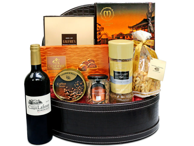 Wine n Food Hamper - Gift Hamper G29 - L36670203 Photo