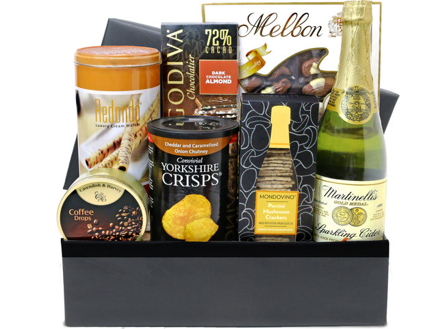 Wine n Food Hamper - Gift hamper B1 - L76607233 Photo