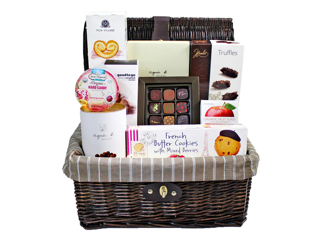 Wine n Food Hamper - Picnic style gift Basket F3 - L97028 Photo