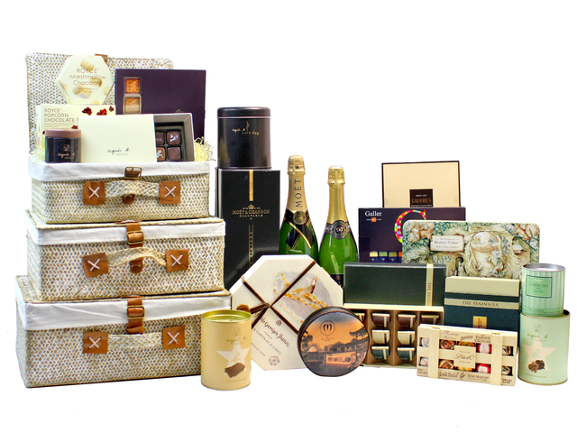 Wine n Food Hamper - Picnic style gift Basket F9 - L160858 Photo