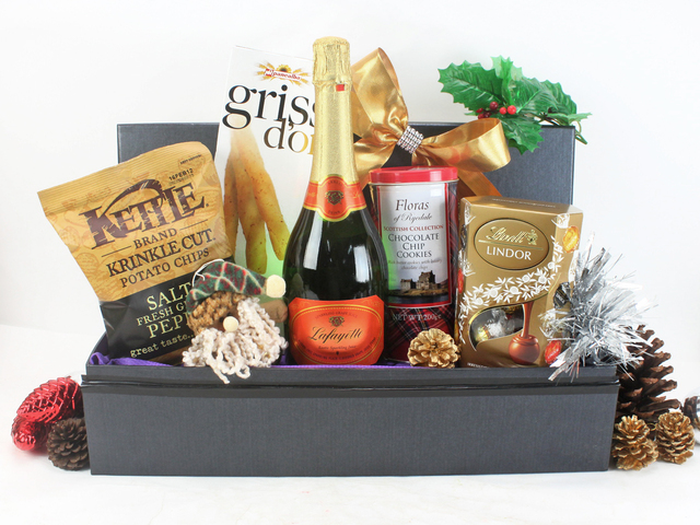 Christmas Gift Hamper - Christmas Gift Hamper 2 - L53975 Photo