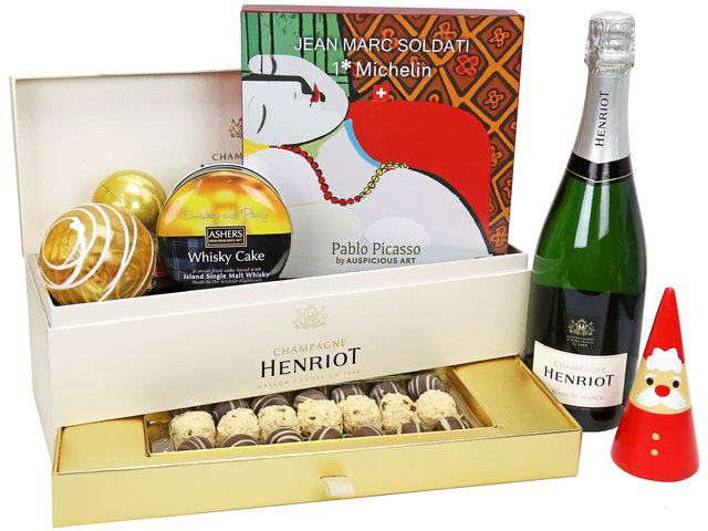 Christmas Gift Hamper - Henriot Champagne Classical Royal Warrant Christmas Gift Box A2 - XH1119A5 Photo