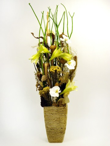 Florist Flower Arrangement - Innocent Beginning - P4420 Photo