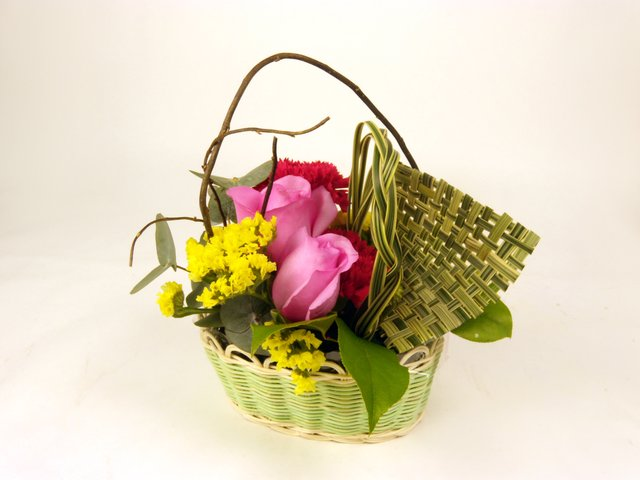 Florist Flower Arrangement - Monthly (O) - P8476 Photo