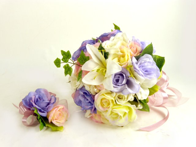 Florist Flower Arrangement - Silk Bridal Bouquet (A) - P17184 Photo