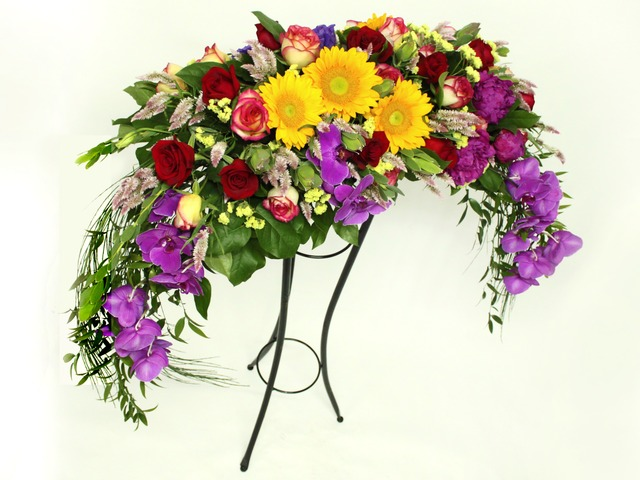 Florist Flower Arrangement - podium flower (flower basket) - L07114 Photo