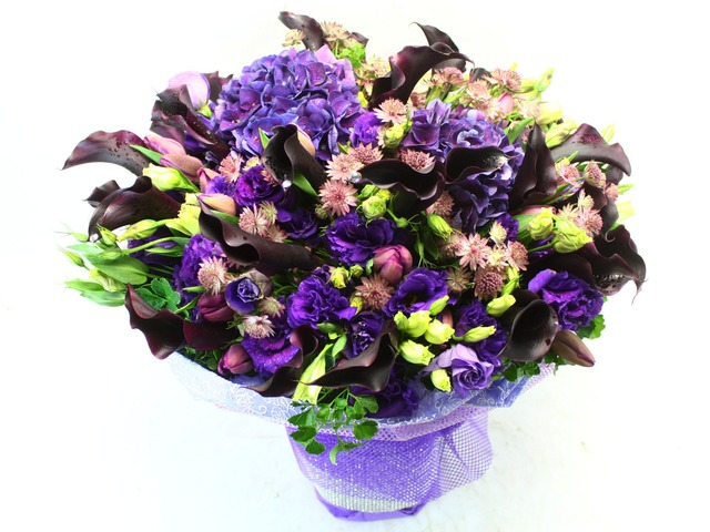 Florist Flower Bouquet - Dark Prince (XL) Bouquet - L26537 Photo