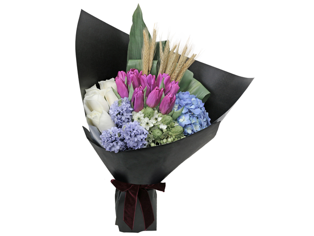 Florist Flower Bouquet - Italy style Purple Tulip florist bouquet RD17 - L76604357 Photo