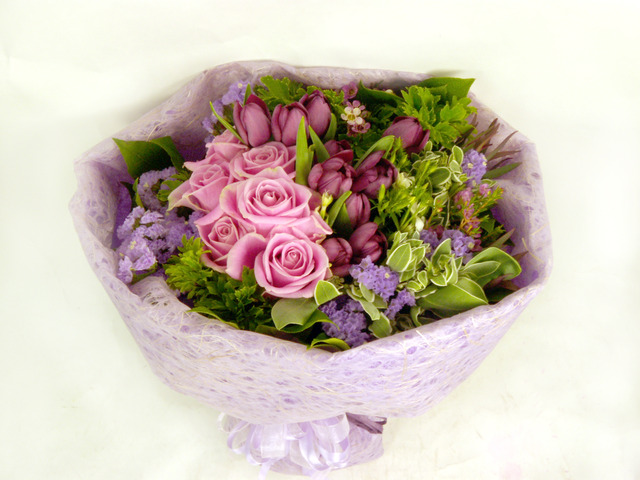 Florist Flower Bouquet - Sweetheart - B6505 Photo