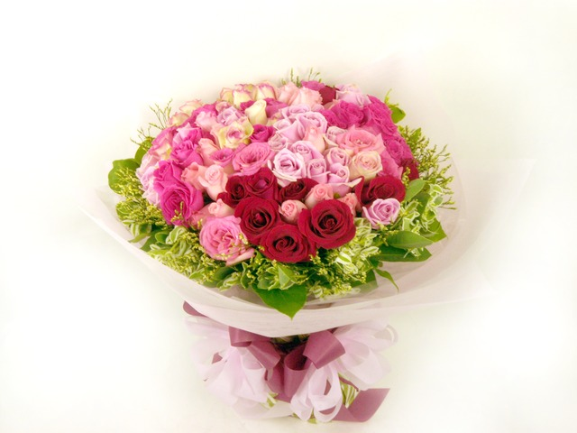 Florist Flower Bouquet - Swirl of Love2 - B5598 Photo