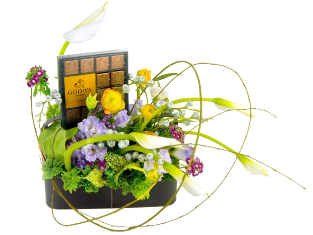 Florist Gift Set - Flower and chocolate A - B8863 Photo