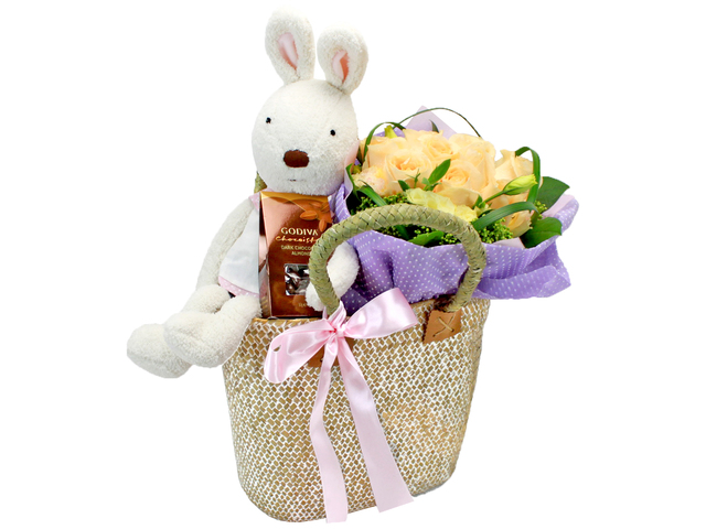 Florist Gift Set - Romantic Combo Q2 - L24537 Photo
