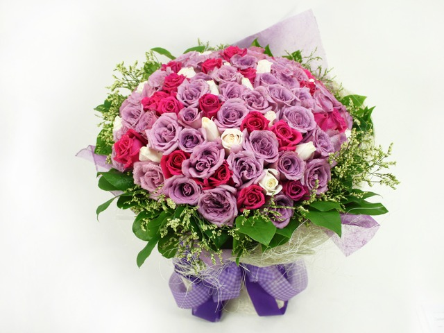 Flower Shop New Product - 99 roses - L06825 Photo