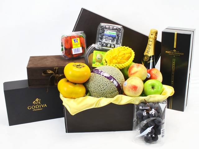 Fruit Basket - Delux Fruit hamper 2 - L17613 Photo