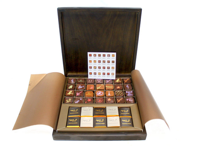 Gift Accessories - Agnes B Delux Chocolate set 48pcs - L33991 Photo