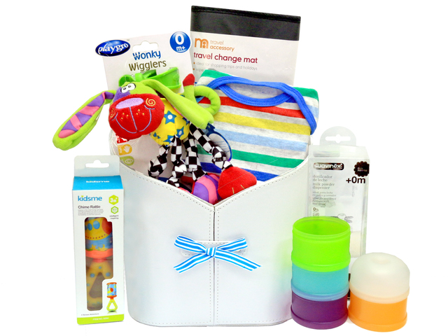 New Born Baby Gift - Colorful man-made leather gift hamper - L36668174 Photo