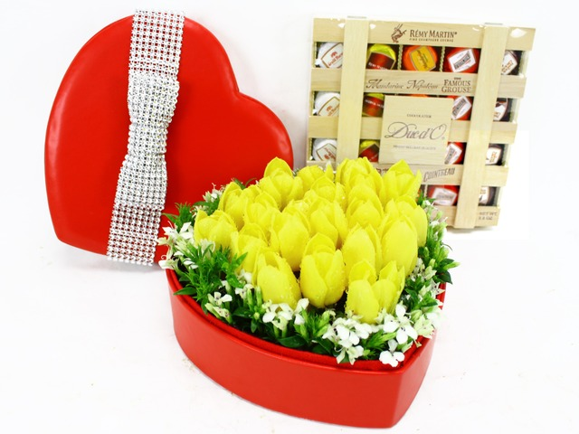 Order Flowers in Box - Tulip heart with Ducd'O - L11383 Photo
