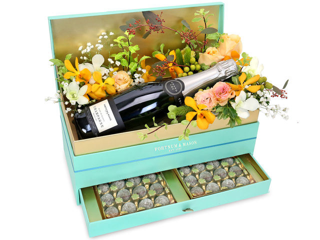 Valentines Day Flower n Gift - Valentine's Fortnum & Mason Box Flowers - VB20128A1 Photo
