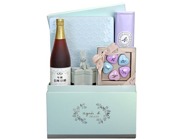 Wine n Food Hamper - Agnes b set A1 - BFAH1027A4 Photo