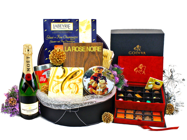 Wine n Food Hamper - Christmas Gift Hamper U - L19276 Photo