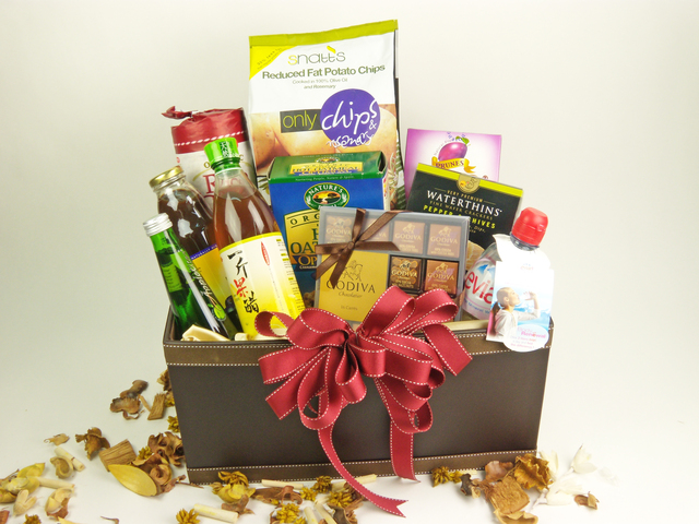 Wine n Food Hamper - Delectable Selection (C) - P1859 Photo