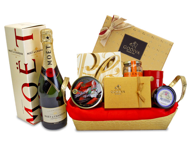 Wine n Food Hamper - Deluxe Champagne Hamper - L86066 Photo