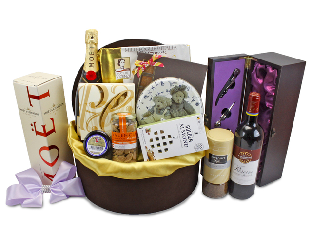 Wine n Food Hamper - Deluxe Food Gift Hamper (N1) - L85253 Photo