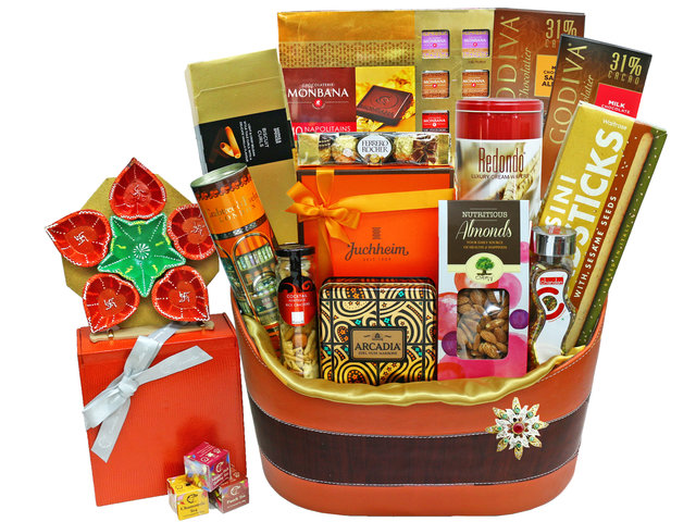 Wine n Food Hamper - Diwali luxury gift 8 - L36669480 Photo