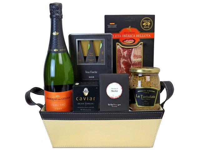 Wine n Food Hamper - Gift hamper D1 - TNP0410A3 Photo