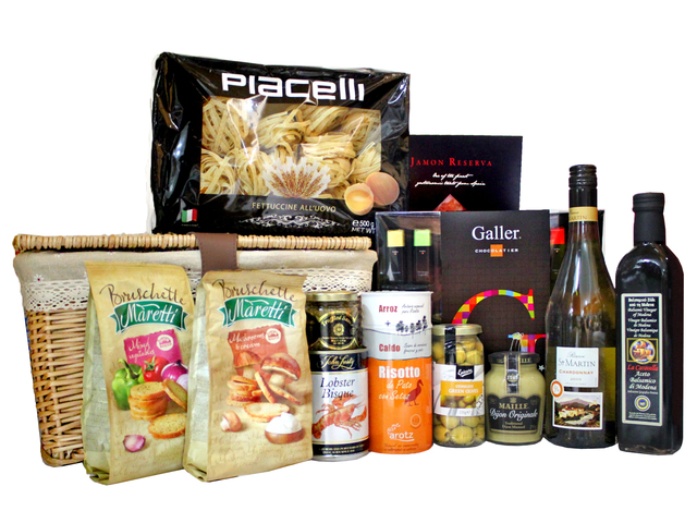 Wine n Food Hamper - Home Comfort Westen Hamper 1 - L97229 Photo