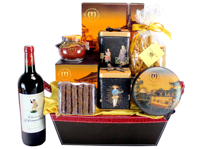Wine n Food Hamper - Mandarin Oriental Hotel - Wine Food Hamper 01 - L133996 Photo